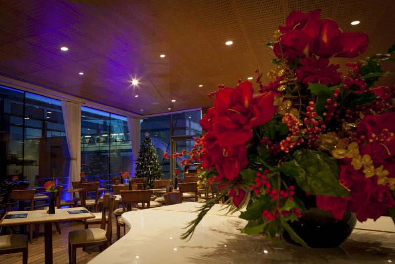 Christmas-tea-room3