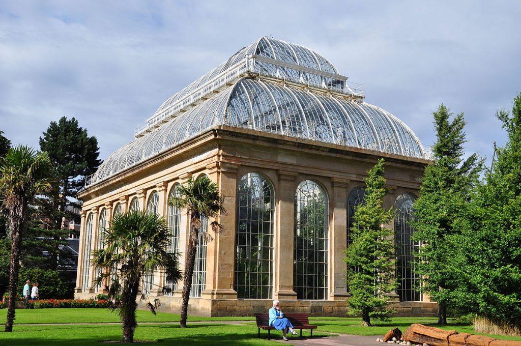 Greenhouse_at_the_royal_botanic_garden_of_Edinburgh