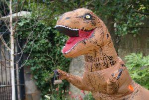 Dynamic Earth's Dino Hangs Up Bird Feeder from DIY Day (1)